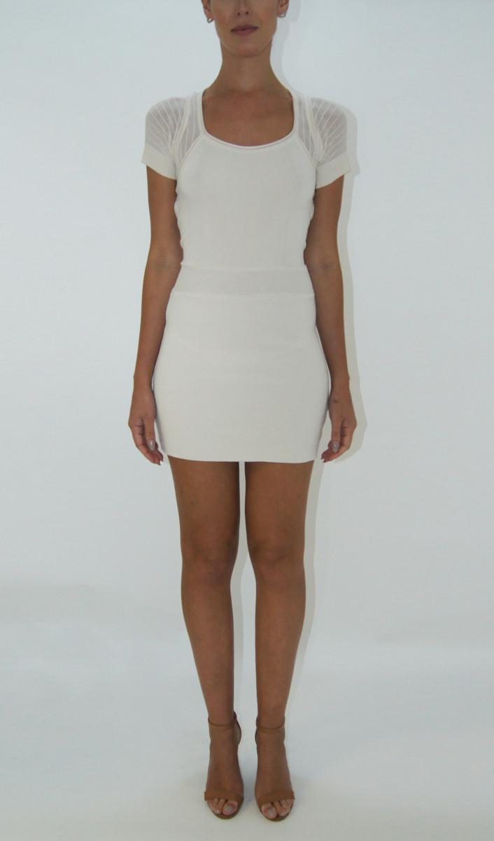 Vestido Off White Tricô